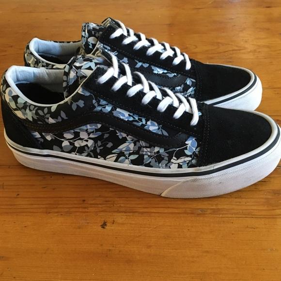 Vans Shoes | Vans Old Skool Black With
